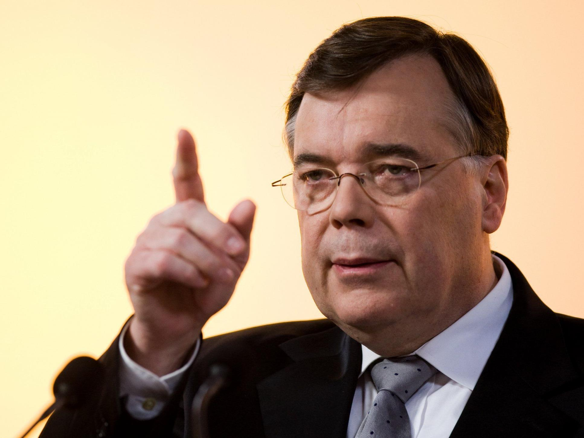 Trotz Verurteilung muss der isländische Ex-Regierungschef Haarde nicht hinter schwedische Gardinen.