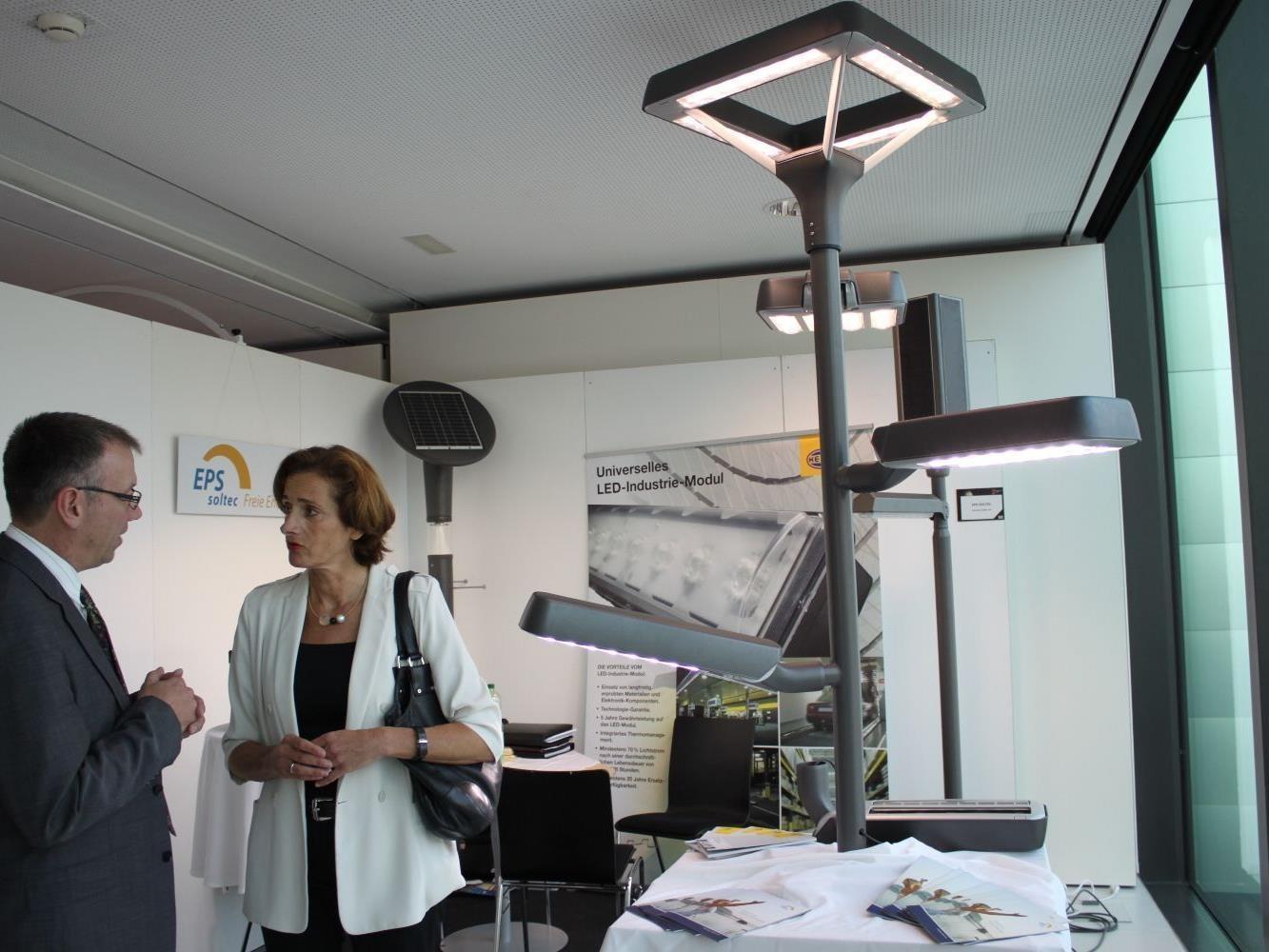 Erfolgreich war der Auftritt von EPS soltec Solartechnik und HELLA beim LED-Symposium im Festspielhaus in Bregenz.