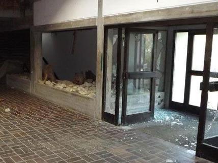 Unbekannte verwüsteten in der Nacht auf Donnerstag das leerstehende Hallenbad in Horn.
