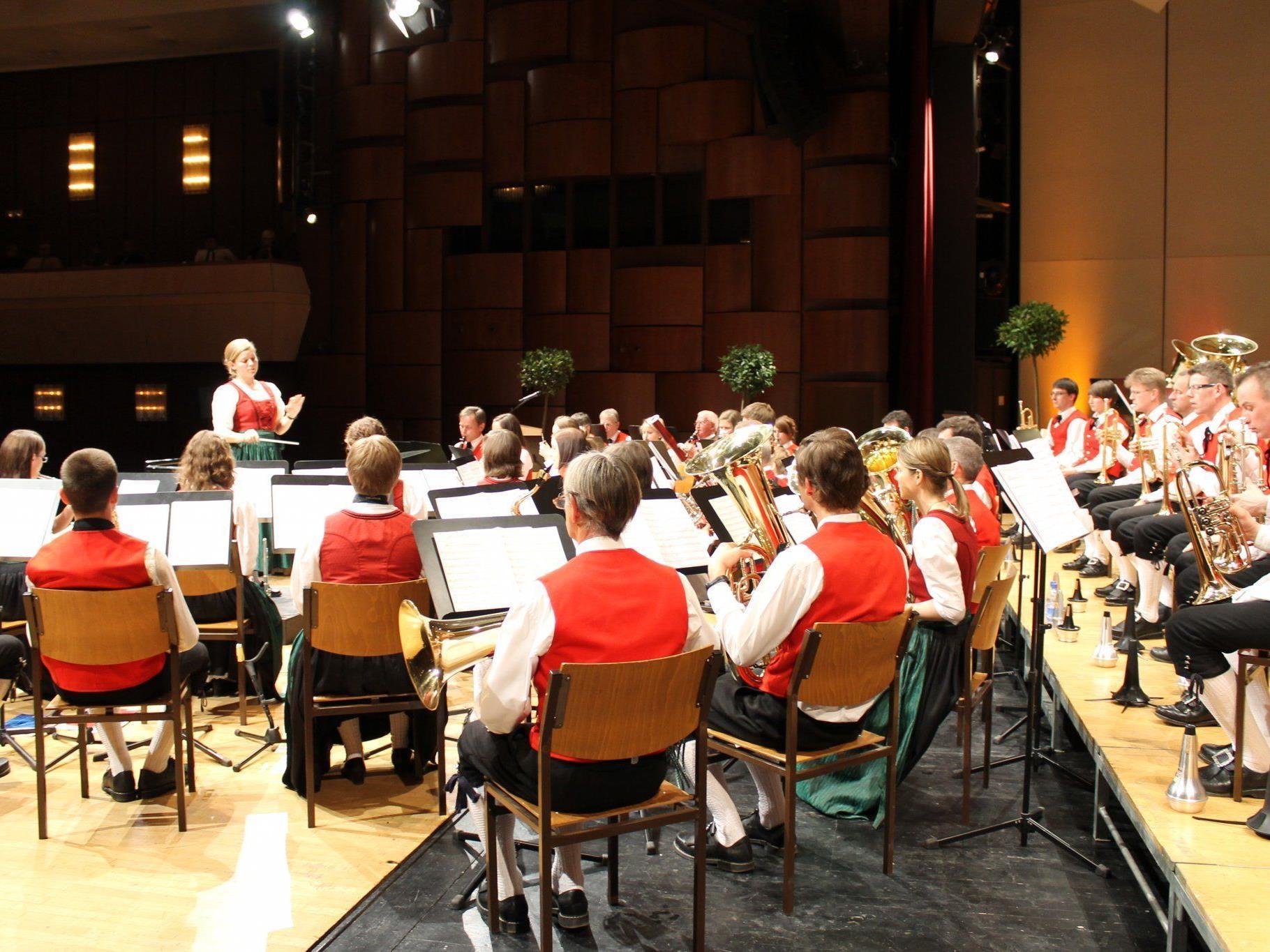Frühjahrskonzert der Harmoniemusik Tisis-Tosters