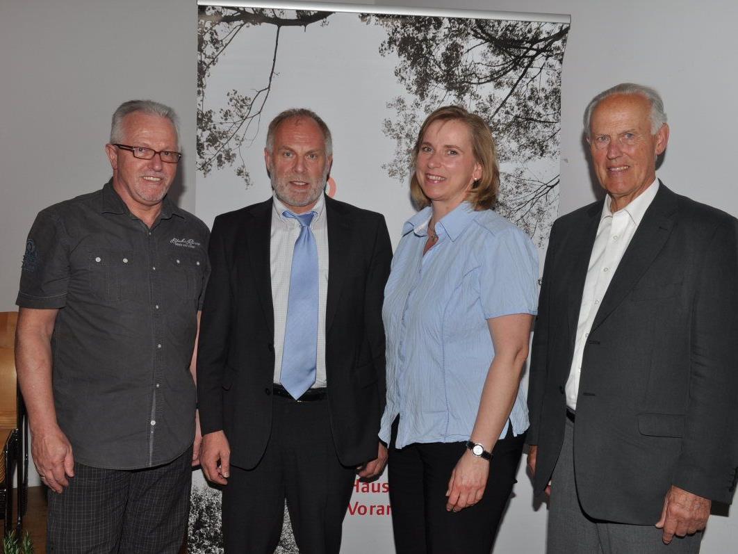 Kassier Helmut Bell, Obmann Wolfgang Rothmund, Schriftführerin Sabine Sieber und Landesobmann Franz Fischer.
