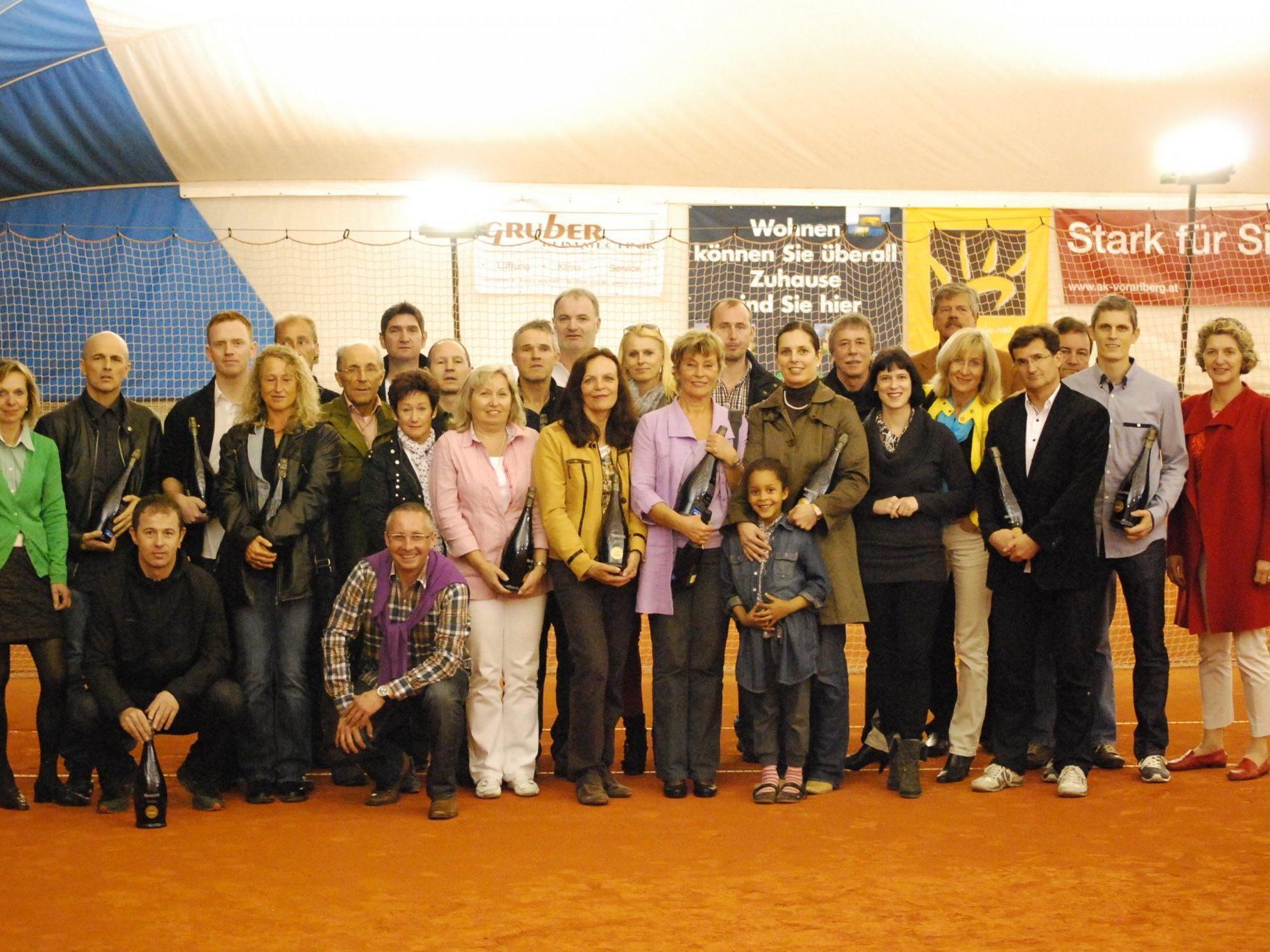 Alle Sieger der diesjährigen Titelkämpfe in Altenstadt.