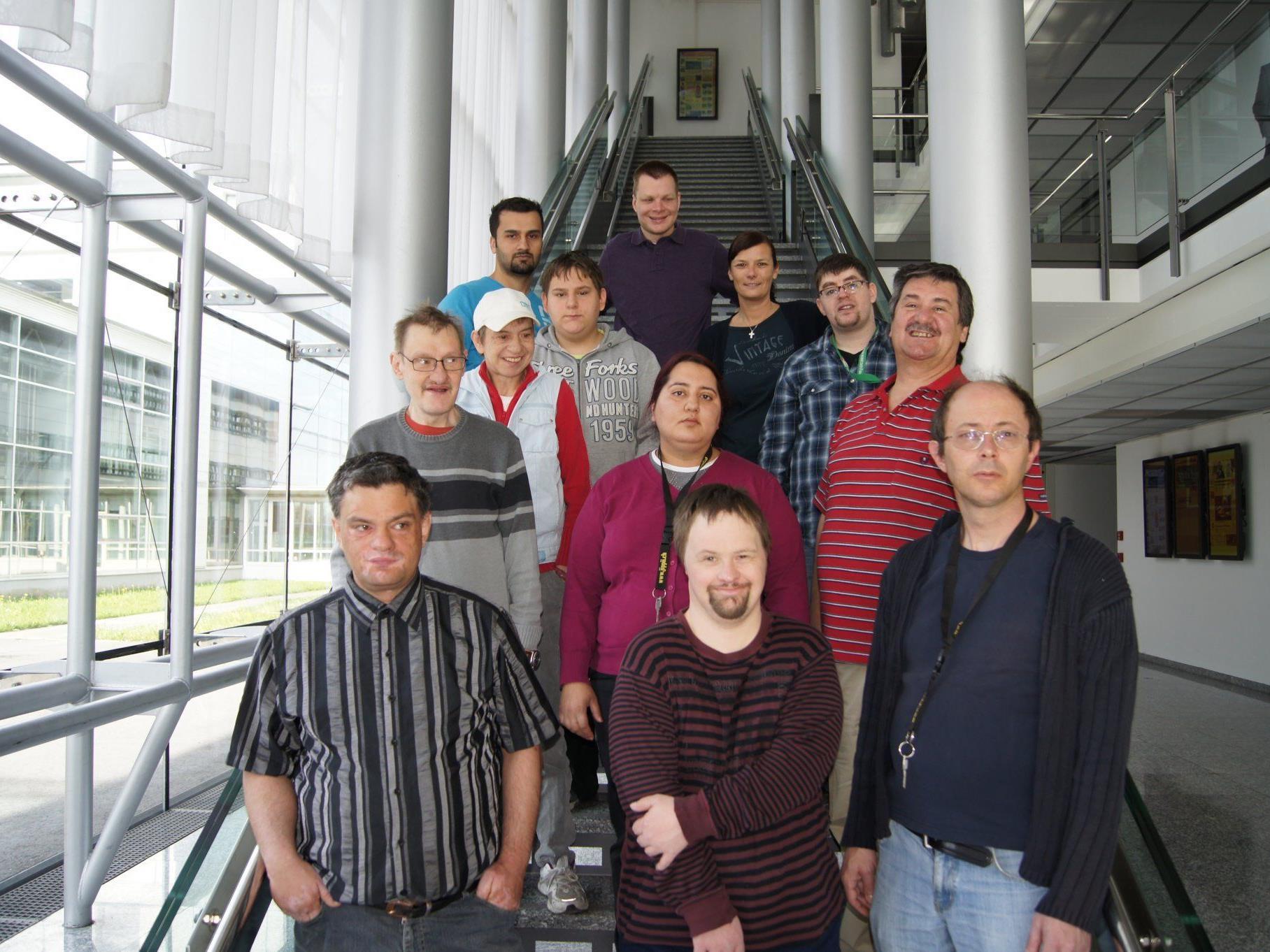 Die Gruppe der Lebenshilfe-Fachwerkstätte beim Besuch im VMH.