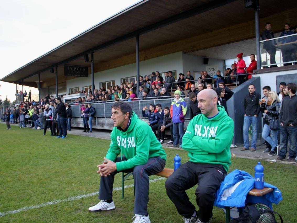 Ein wichtiges Spiel auch für Trainer Rade Plakalovic und Co-Trainer Marco Bologna.