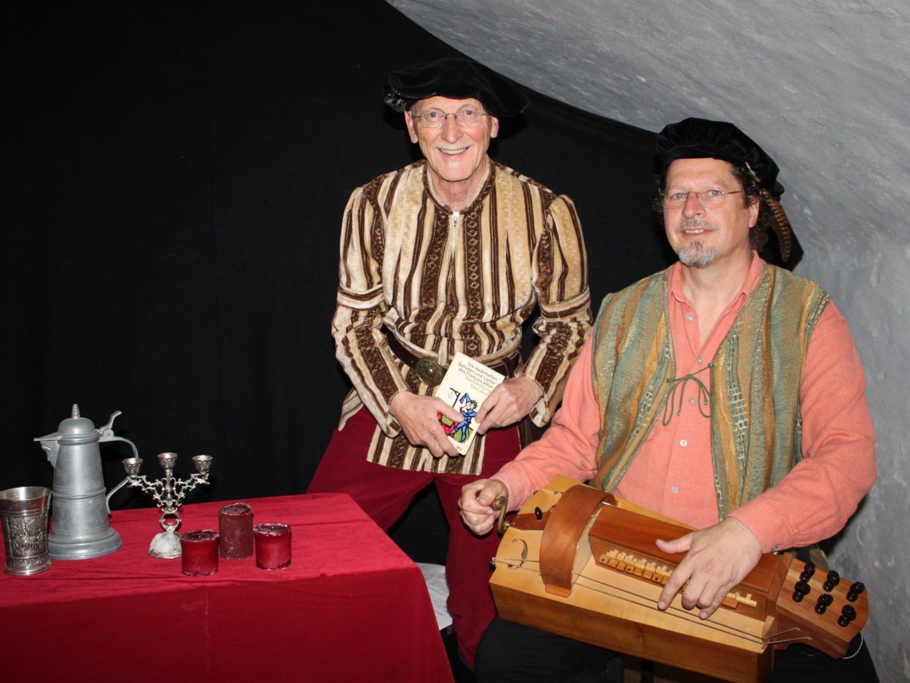 Werner Ritschel und Stefan Schuler entführten die Kunstkeller-Besucher ins Mittelalter.