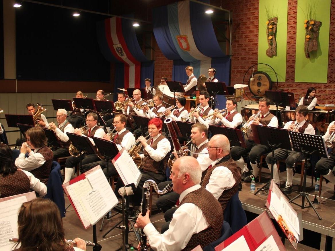 Großartiges Frühlingskonzert des Musikvereines Lochau im Konzertsaal Sporthalle.