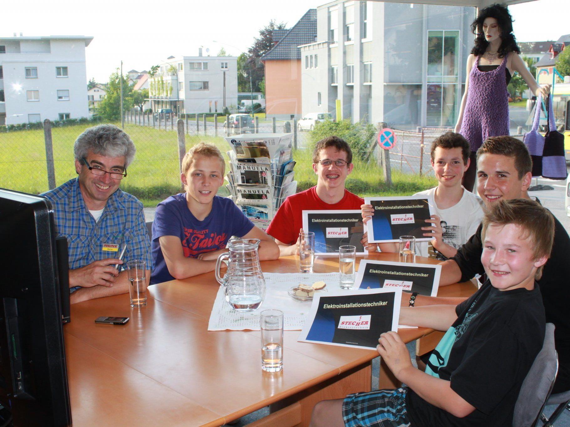 Leiblachtaler Lehrbetriebe öffnen ihre Türen – Ausbildung zum Elektroinstallationstechniker bei der Firma Elektronik Stecher in Lochau.