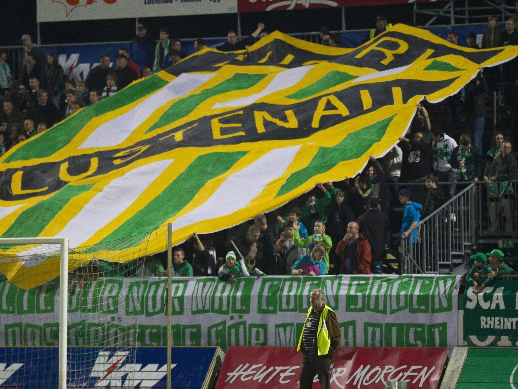 Beim Derby Austria gegen FC kocht die Stimmung im Stadion. Dabei kann es mitunter auch mal rau zugehen.
