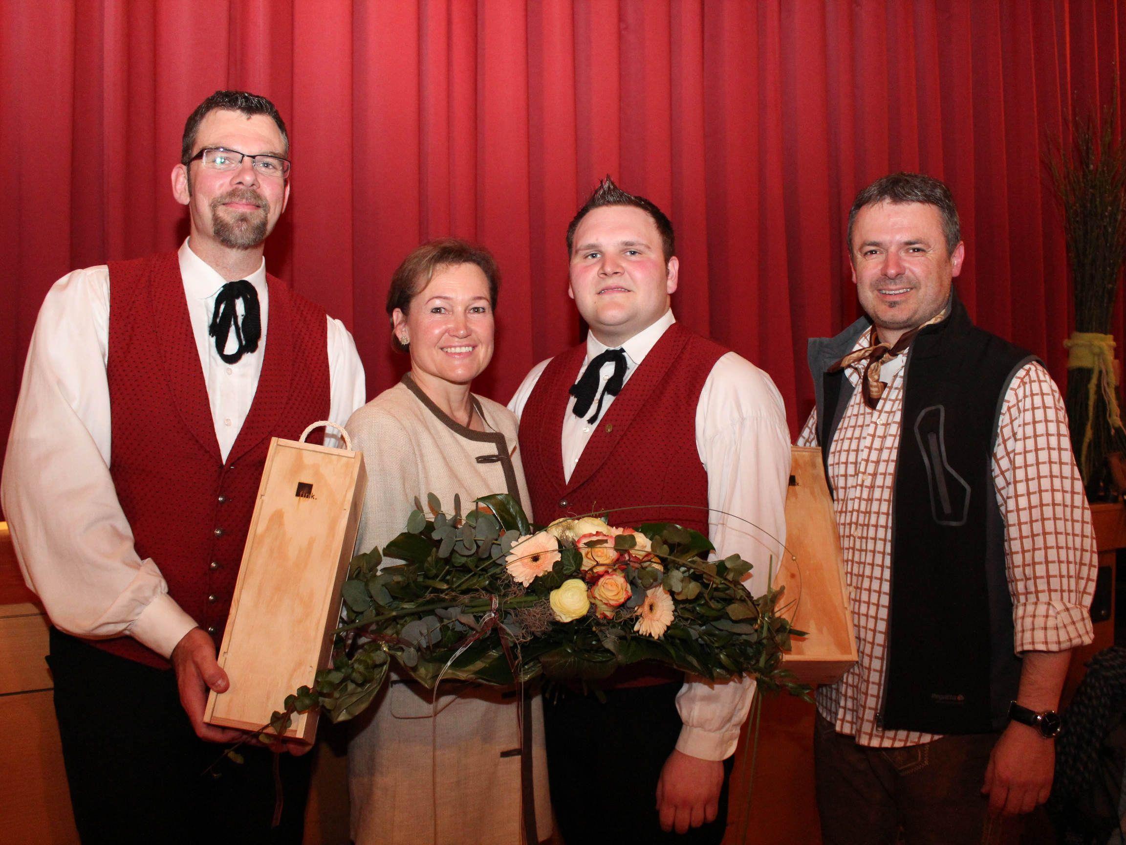 "Klaus Greiderer, Birgit Giselbrecht-Plankel, Michael Lenz und ""Bergführer"" Walter Moosbrugger."