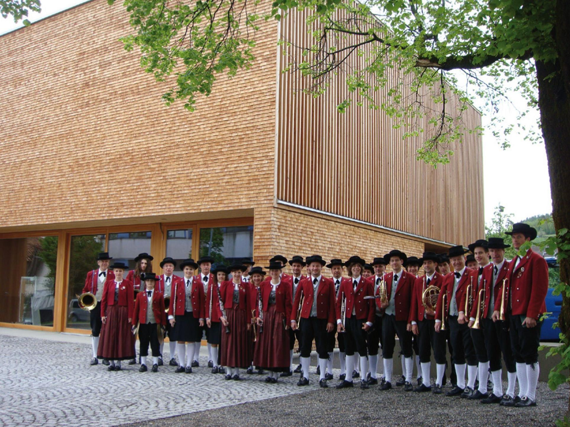 Die Harmoniemusik Roethis lädt zum Frühjahrskonzert