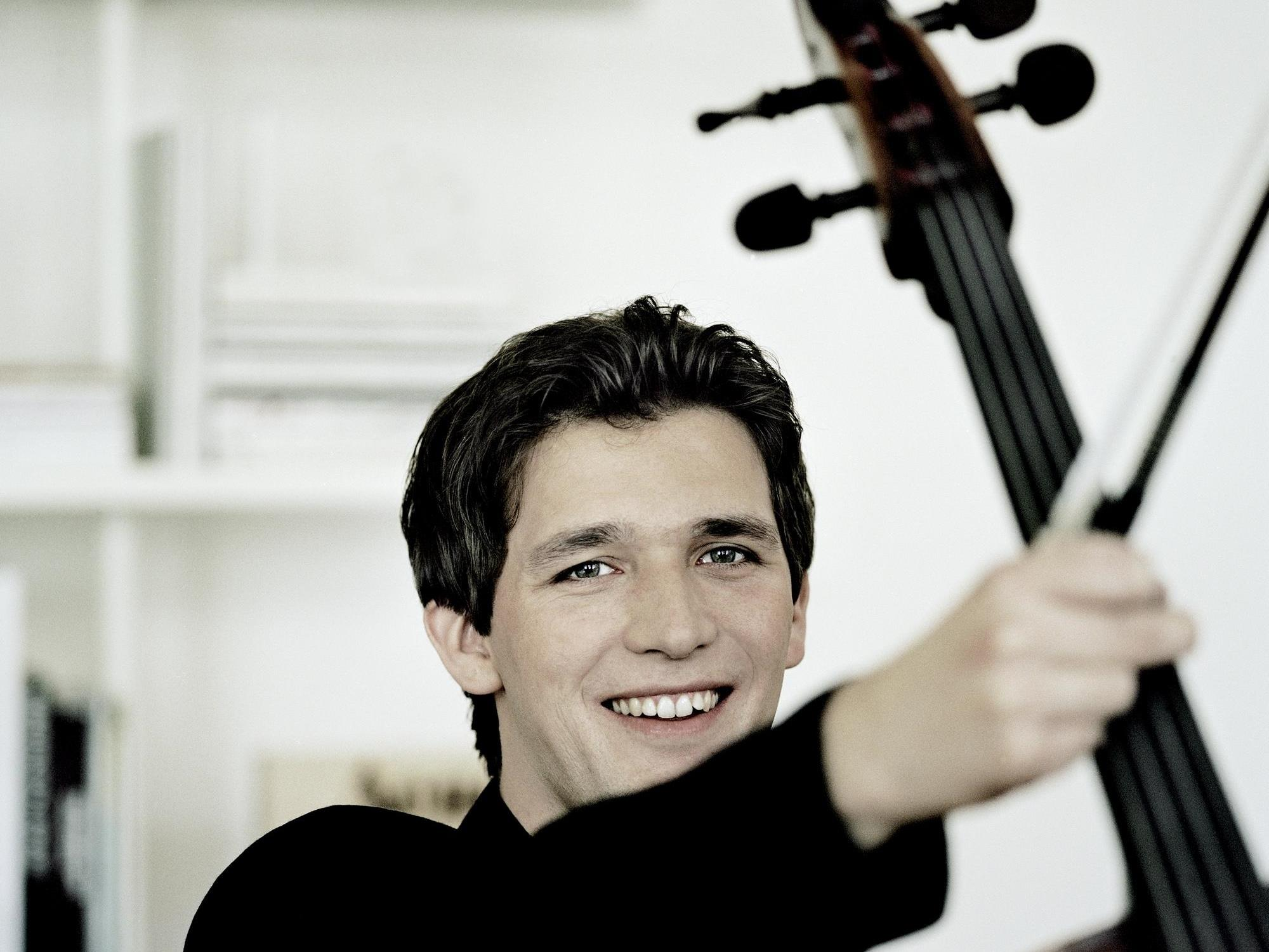 Der Starcellist Maximilian Hornung wird am Karsamstag in der Kultrubühne AMBACH in Götzis zu hören sein