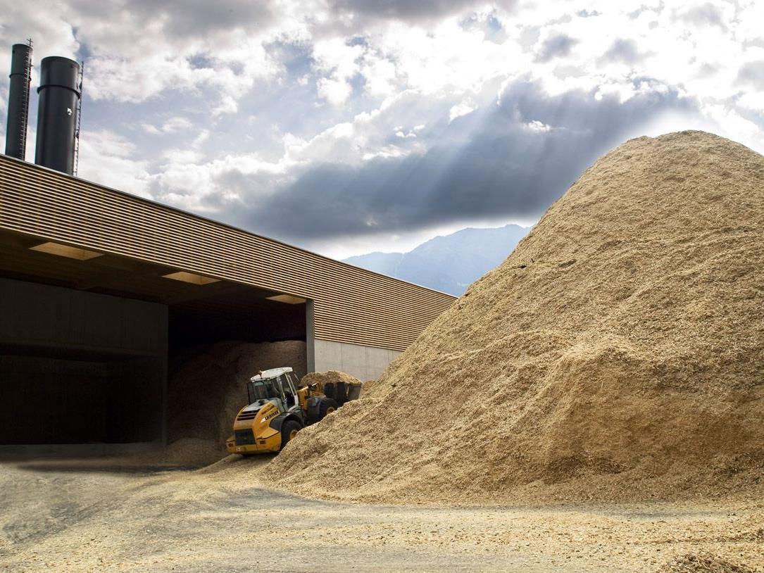 Astmaterial und Wurfholz können im Heizwerk der Naturwärme Montafon abgegeben werden.