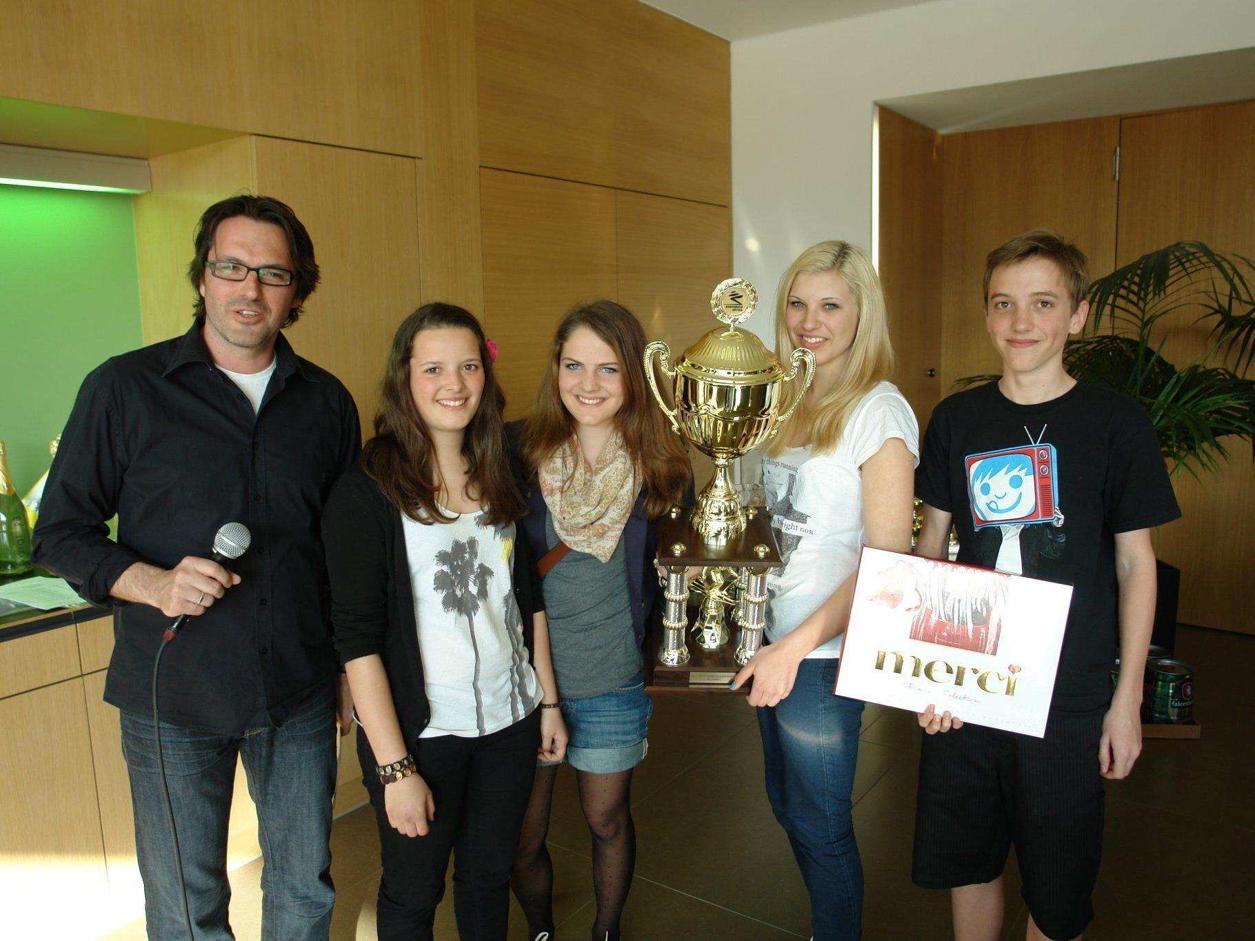 Das Siegerteam mit Katharina Auer, Christina Jagg, Chantal Derka und Sebastian Corn