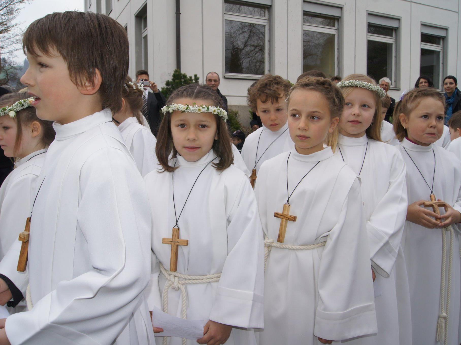 Weißer Sonntag: Erstkommunionfeier im Oberdorf