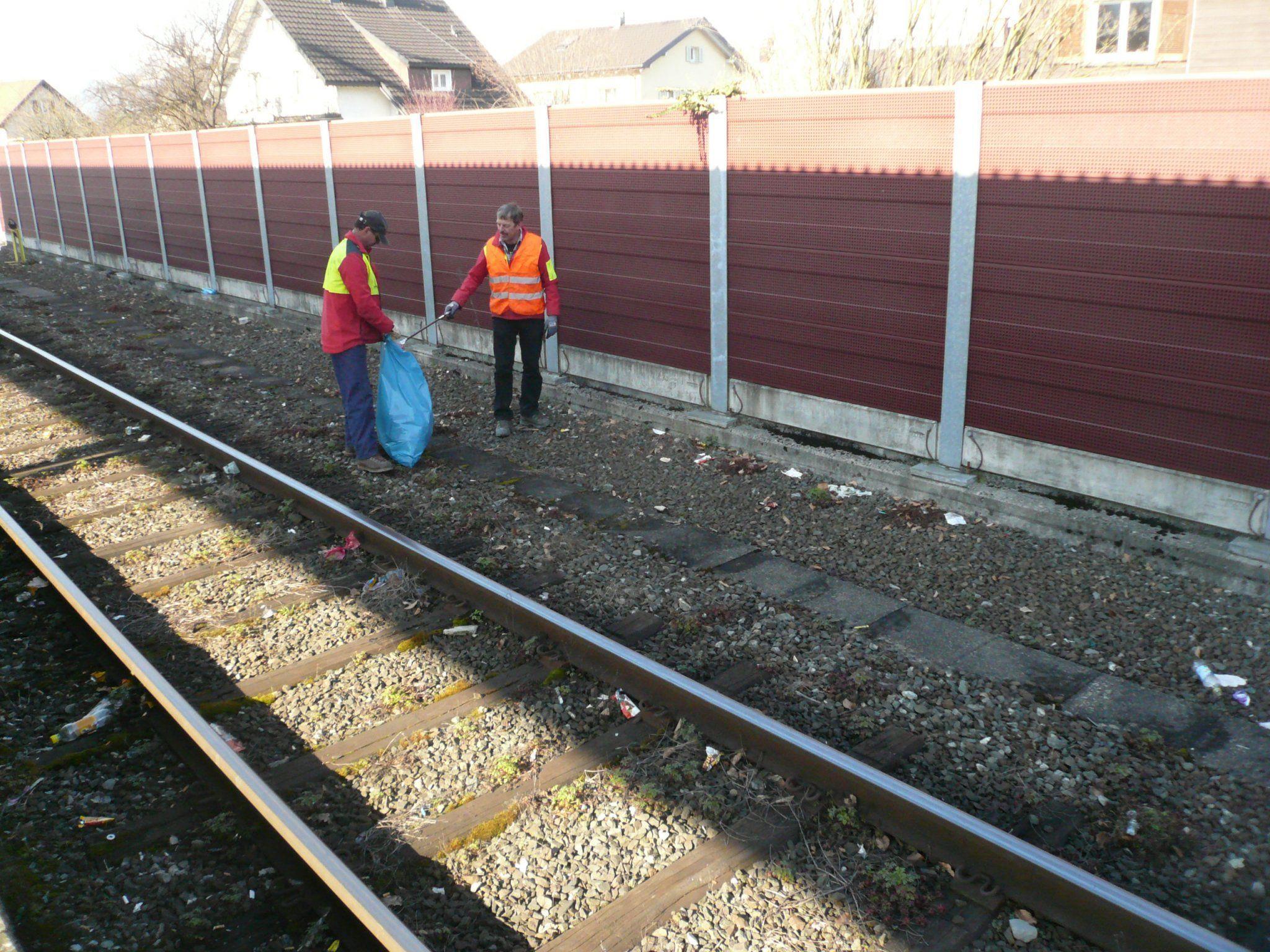 Nach dem Hinweis von Markus Klien, wurden die Gleise umgehend gereinigt.