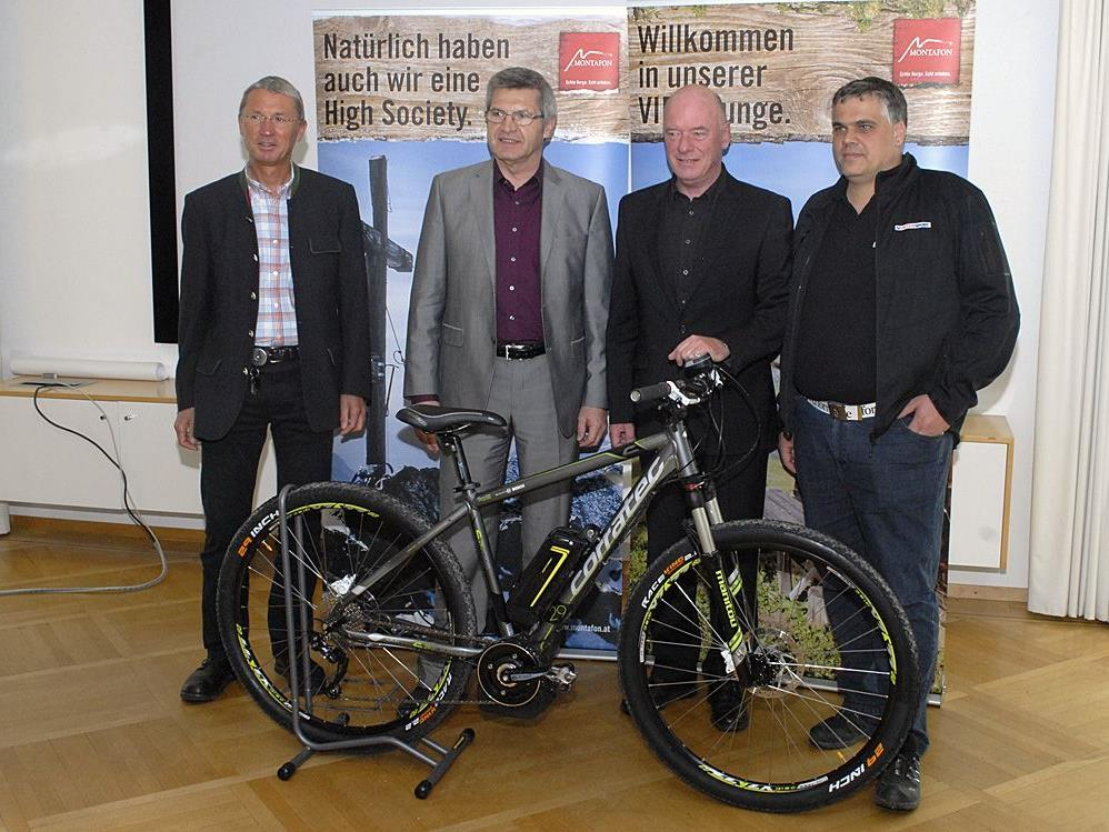 M. Felbermayer, LR S. Stemer, A. Fricke und T. Stergiotis bei der Pressekonferenz am 13. 4. in Schruns