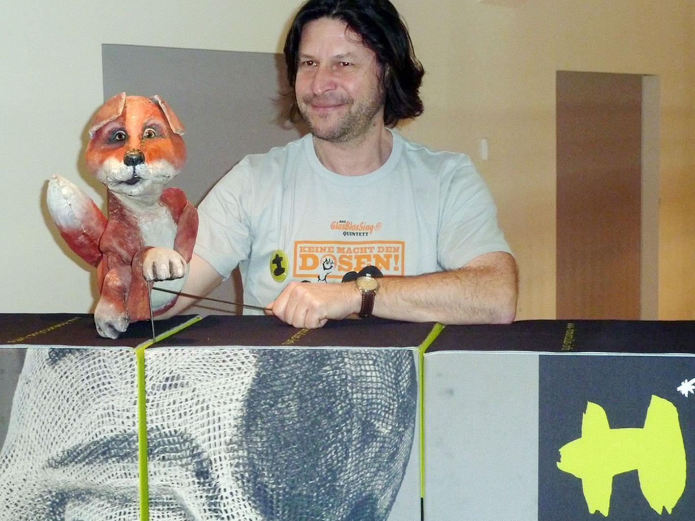 Homunculus-Intendant Pierre Schäfer bietet im Mai zwei Figurentheater-Seminar im Löwensaal an.