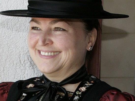 Rosalinde Metzler liest Texte von Klara Schwendinger