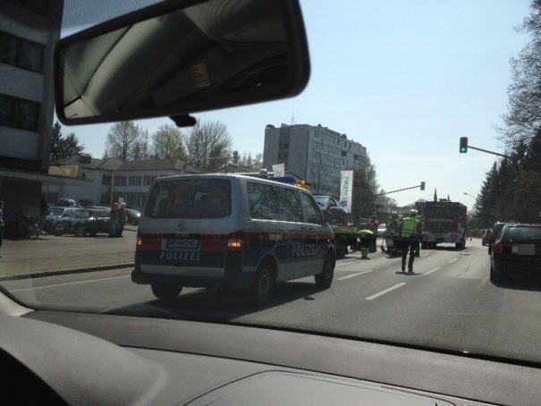 Pkw-Kollision in Bregenz - Beide Fahrzeuglenker erlitten Verletzungen