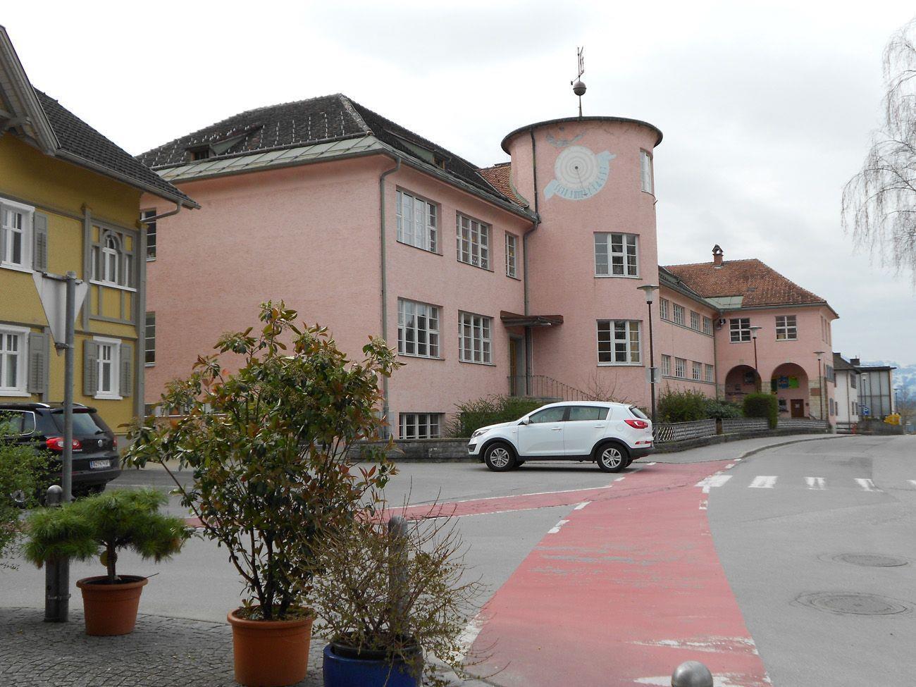 Die Volksschule Nenzing wird ebenfalls in die Gemeinde-Immobiliengesellschaft eingegliedert.