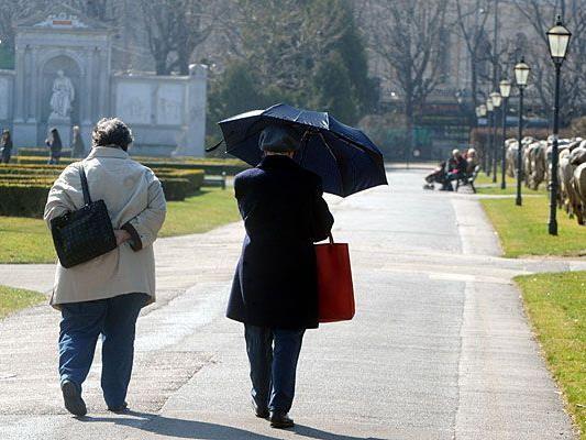 Ob für Sonne oder doch eher Regen: Beim derzeitigen Aprilwetter raten wir zum Schirm