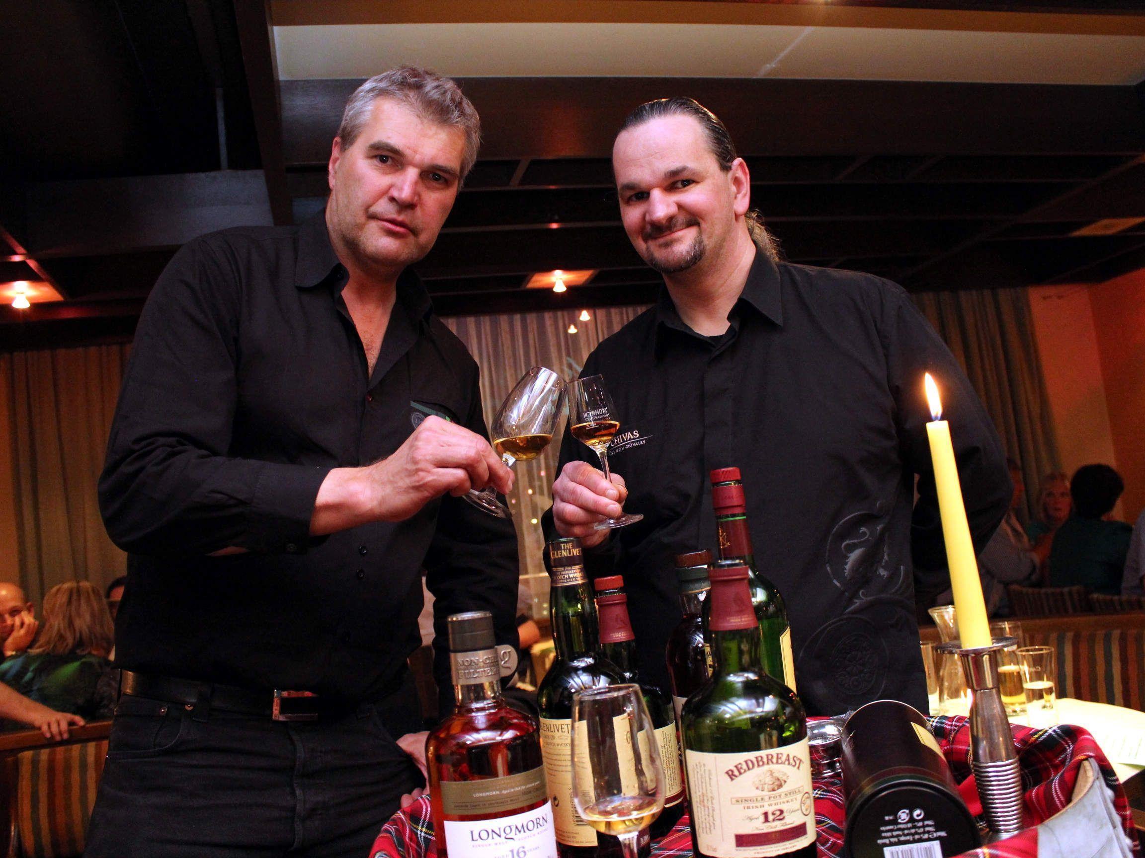 Whisky-Experten: Gert Weihsmann und Hausherr Christoph Sögner.