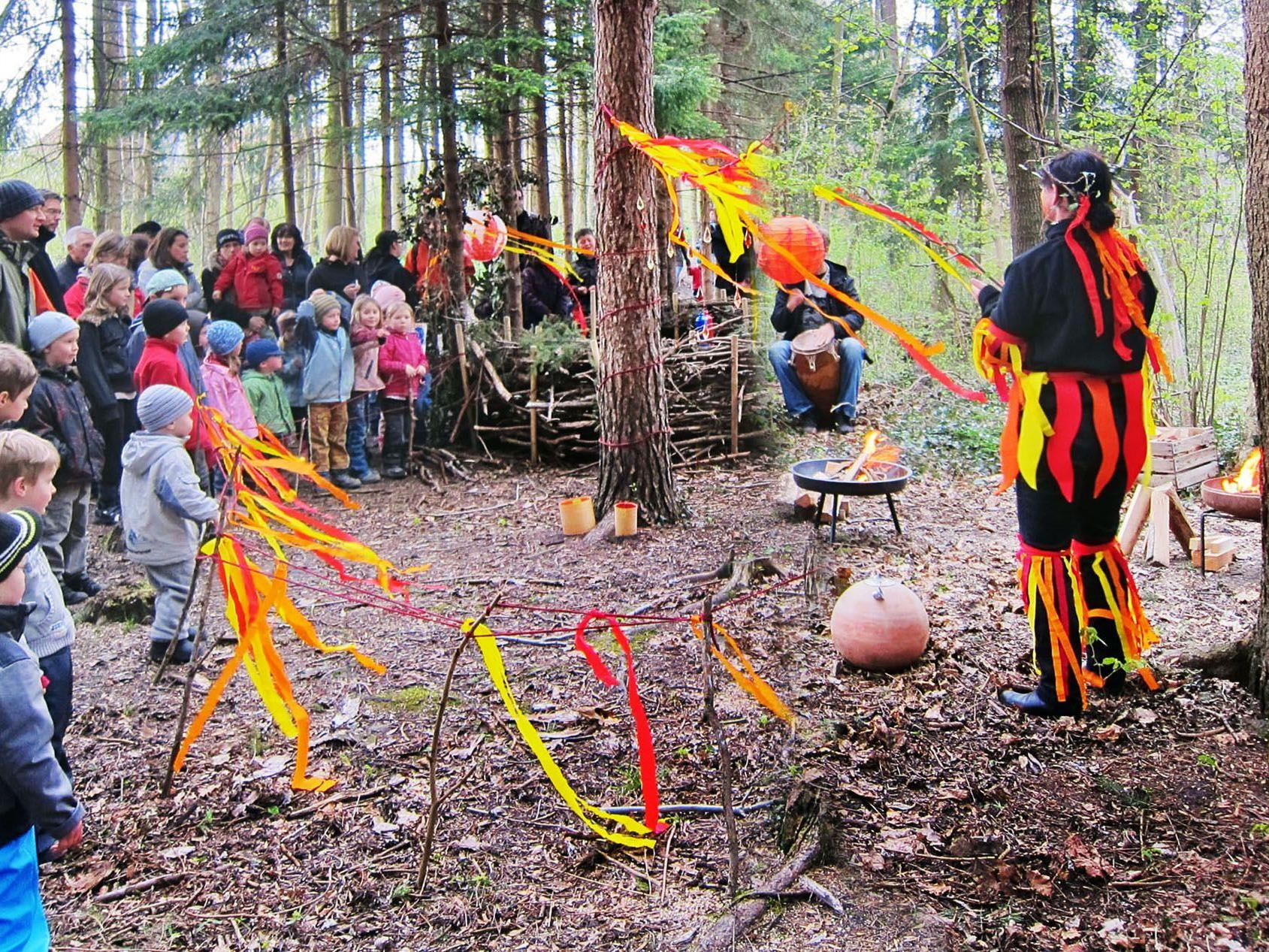 Im Wald trafen die Gäste auf allerhand zauberhafte Wesen.