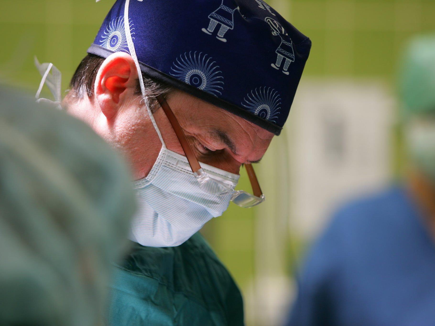 SP-Forderung: Junge Ärzte mit Förderung an Land binden.