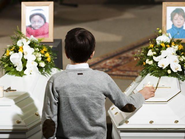 Belgien trauert um seine toten Kindern