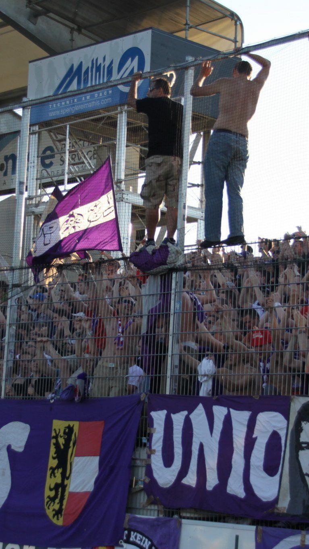 Rund 200 Austria Salzburg Fans werden am Dienstag in Altach erwartet.
