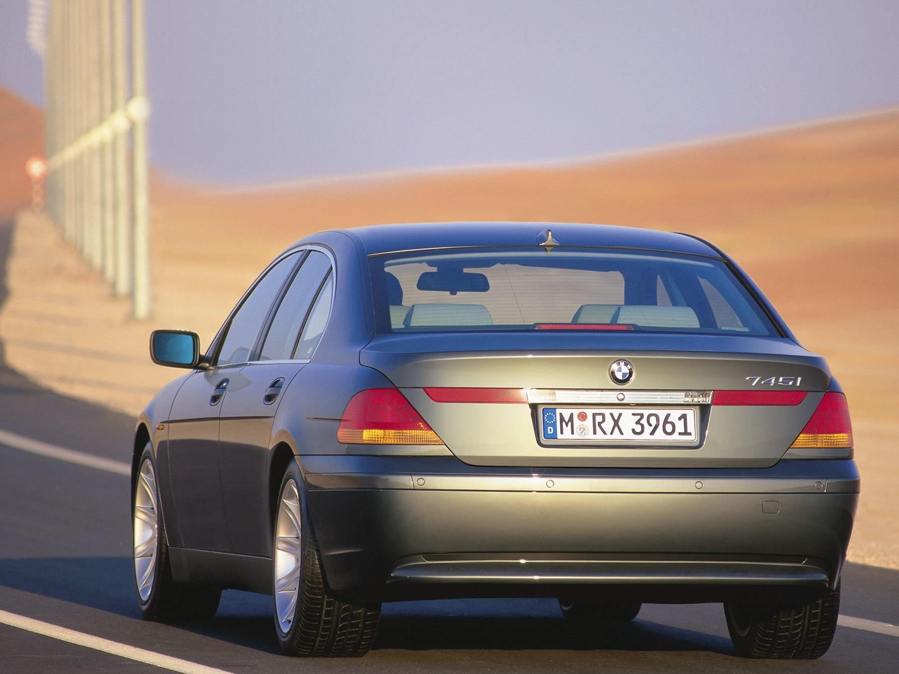 BMW-Fahrer gewinnen das Rennen der Ehebrecher.