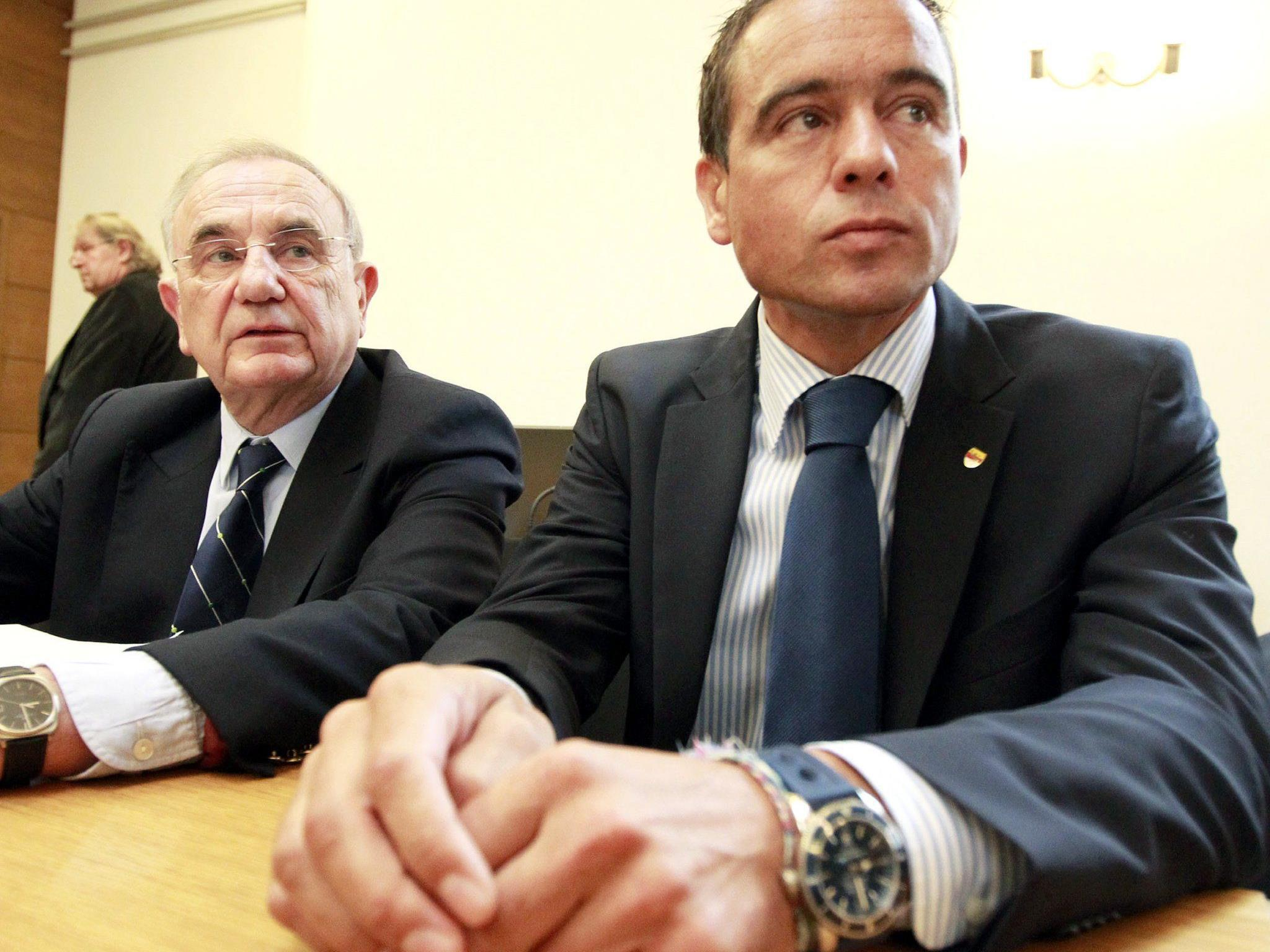Scheuch war am 2. August vergangenen Jahres wegen des Verbrechens der Geschenkannahme durch Amtsträger verurteilt worden.