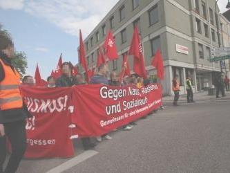 An die 400 Demonstranten gingen am Samstag auf die Straße.