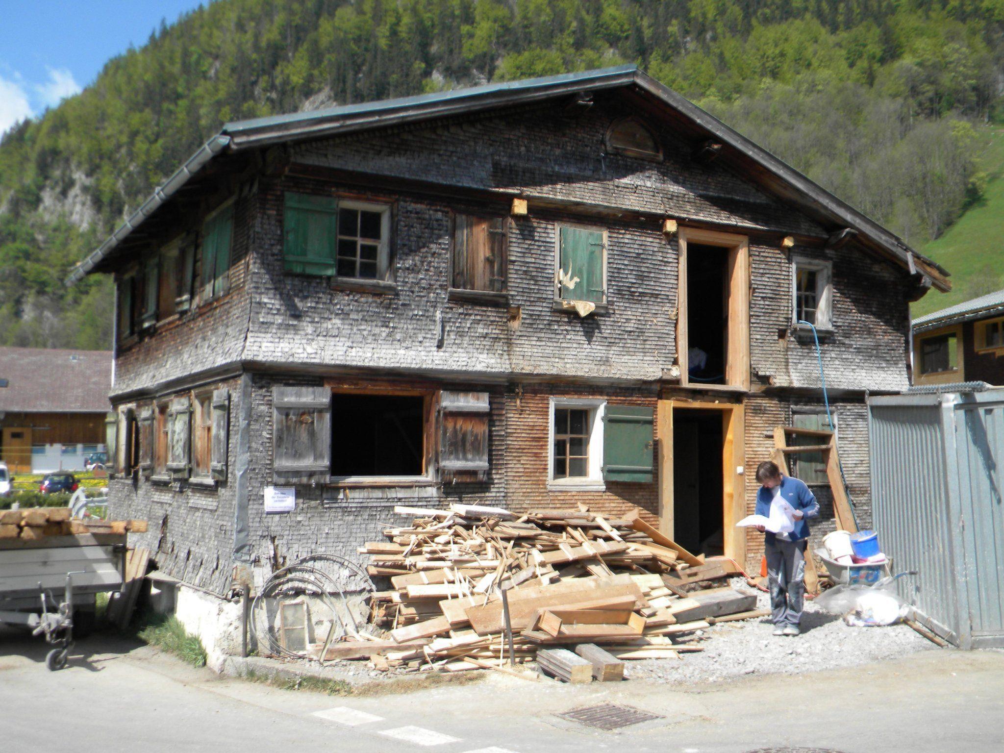 Gebäude in Au-Schrecken während der umfangreichen Sanierungsarbeiten