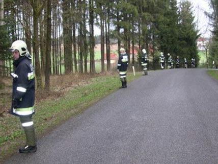 Mehr als 130 Personen waren im Einsatz, der Vermisste wurde tot im Wald aufgefunden.