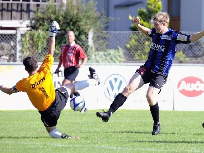 Nenzing-Torjäger Rochus Schallert erzielte in Höchst das 1:1.