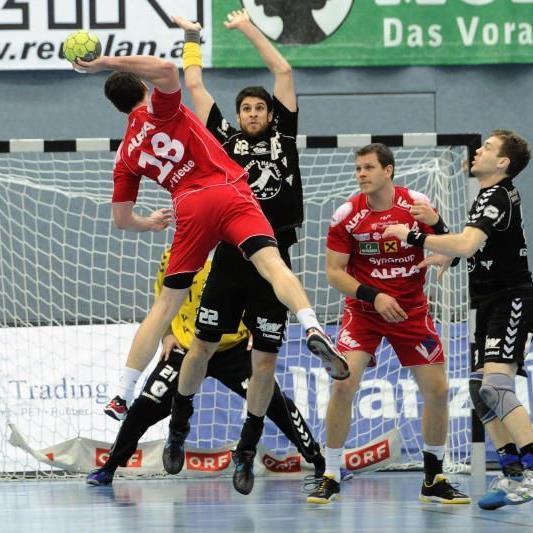 Bernd Friede verlängerte seinen Vertrag in Hard.