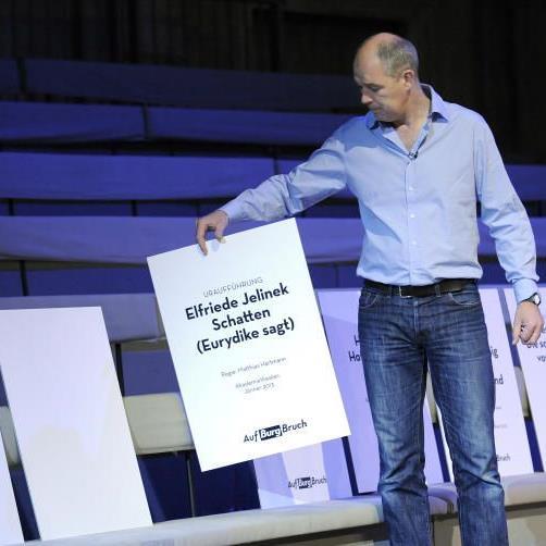 Matthias Hartmann präsentiert das Programm am Burgtheater 2012/13