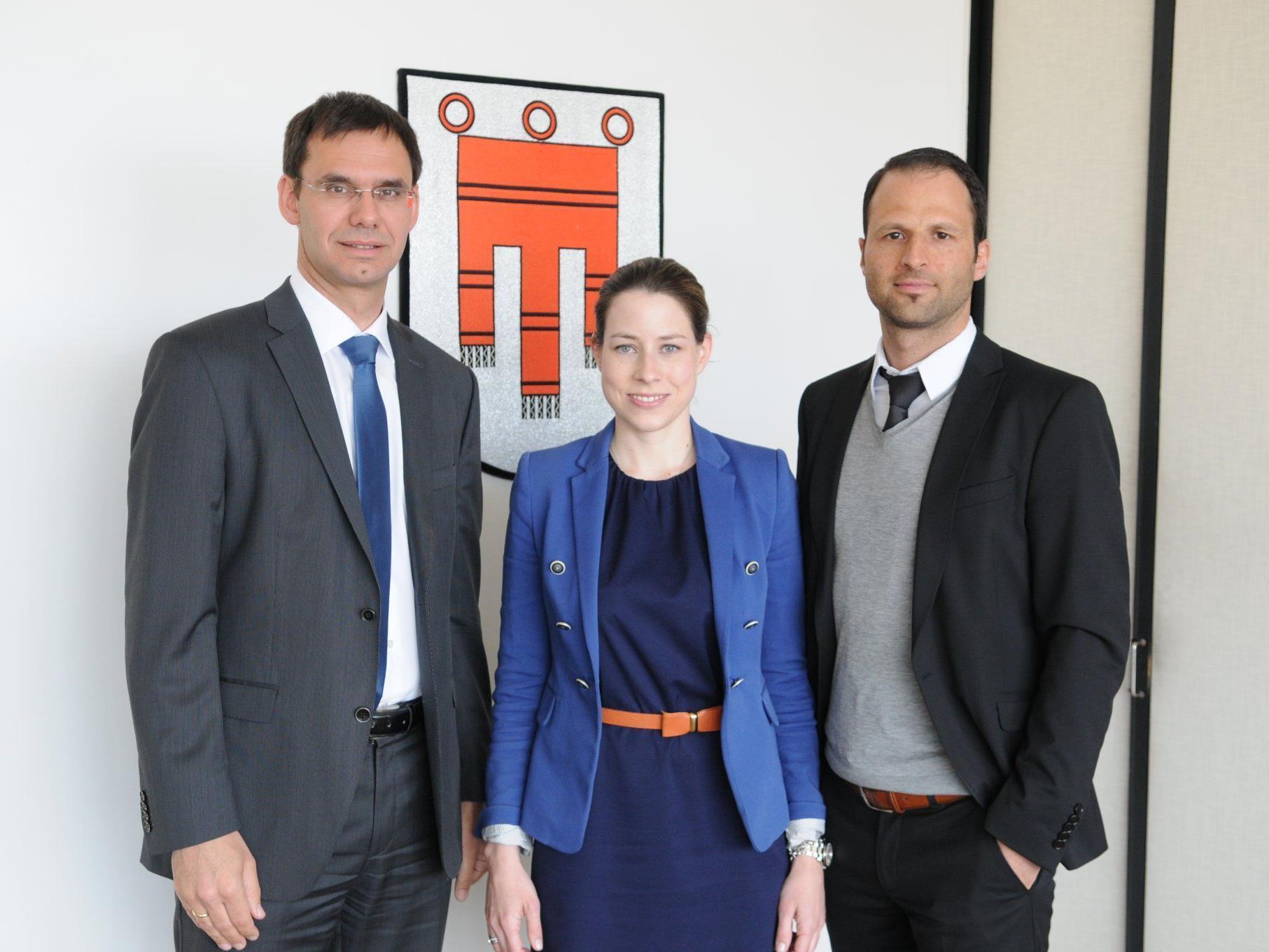 LH Markus Wallner diskutierte mit der neuen Vorsitzenden der Jungen Wirtschaft Vorarlberg, Stefanie Walser, und dem JWV-Geschäftsführer Marco Tittler