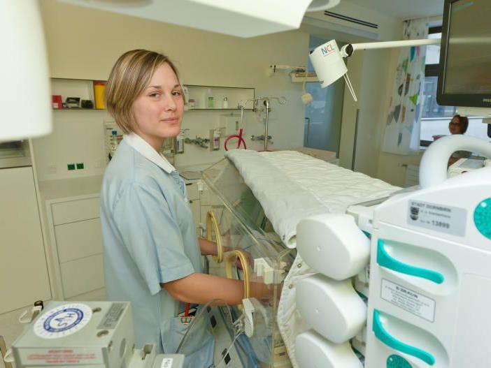 Die Neonatologie verfügt über modernste technische Einrichtungen.