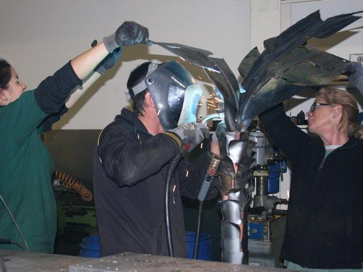 Spannende Metallgebielde werden bei den 1. Satteinser Kunsttagen präsentiert