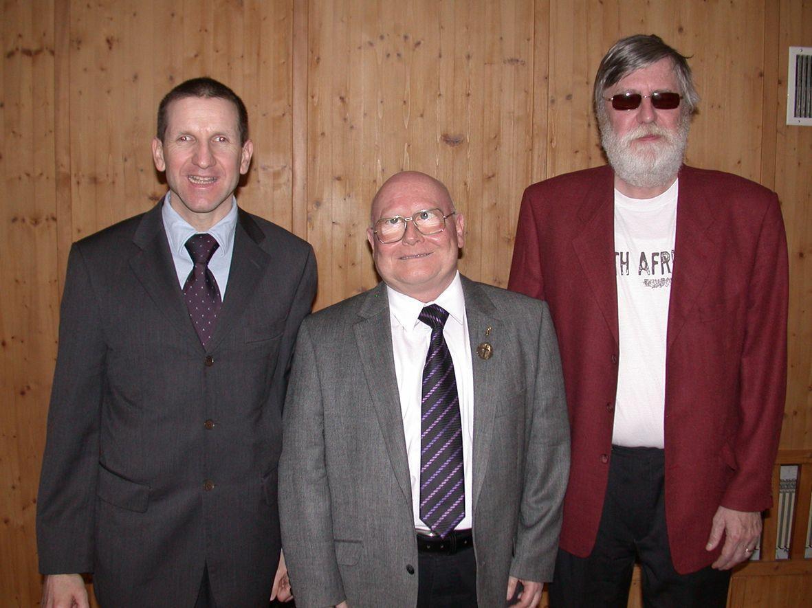 Neo-Obmann Karlheinz Ritter mit Vorgänger Manfred Schuler und Vizeobmann Dieter Wolter.