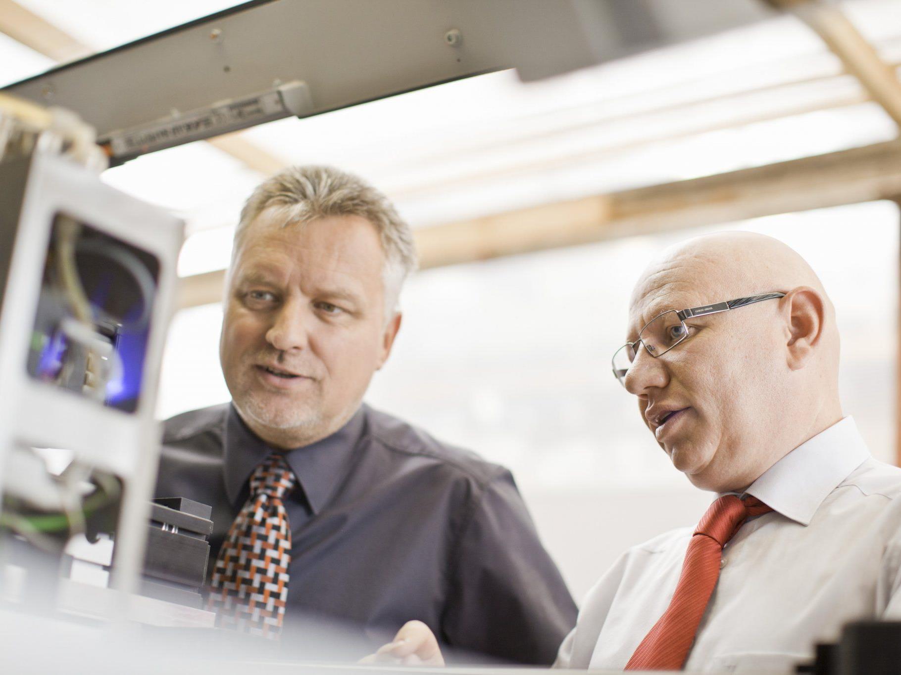 der 1zu1 Prototypen-Geschäftsführer Wolfgang Humml (l.) und Hannes Hämmerle.