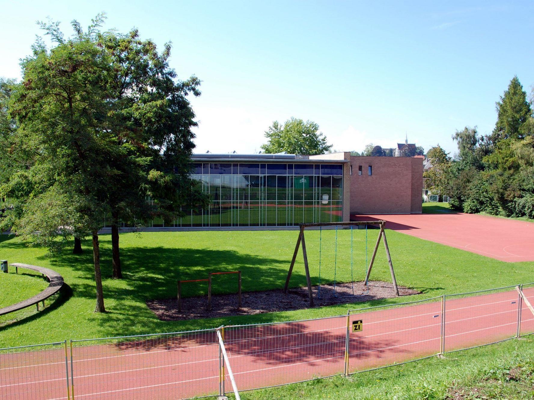 Die Schulsportplätze, wie hier jener der Schule Weidach, stehen Interessierten wieder zur Verfügung.