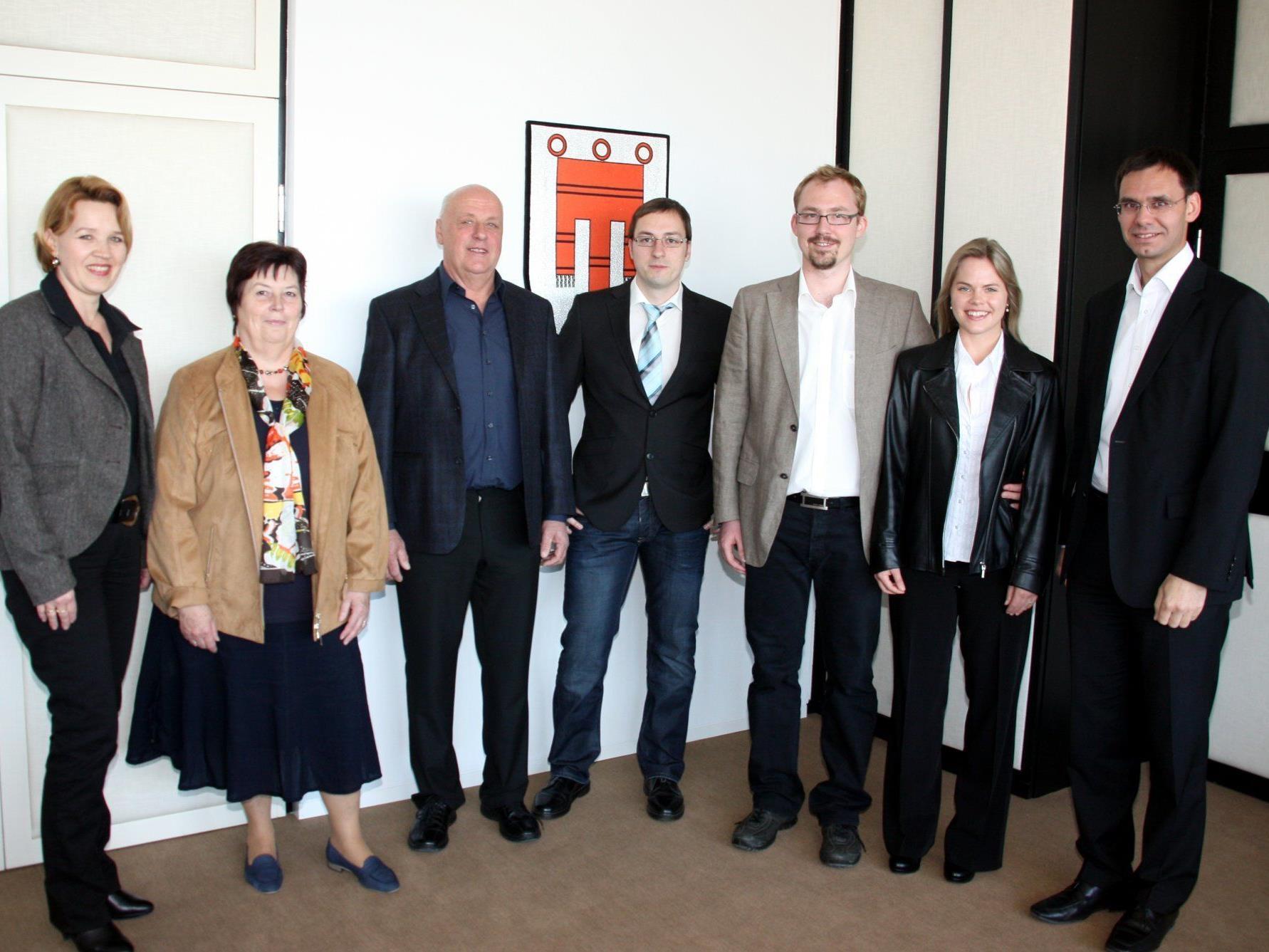 Christian Hilbe (Mitte) wurde von seinen Eltern (links) begleitet, Nicola Pehböck-Walser (r.) von ihrem Mann Daniel Pehböck.