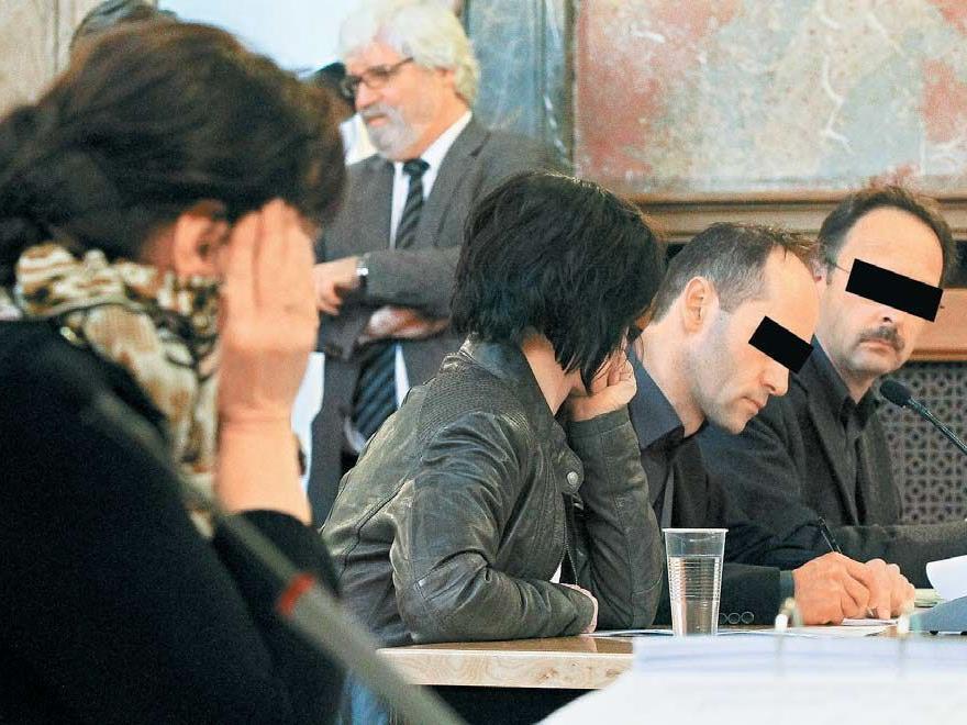 Eine Familie auf der Anklagebank: Für Udo, Jutta R. sowie Schwägerin Sabine L. gab es milde Urteile.