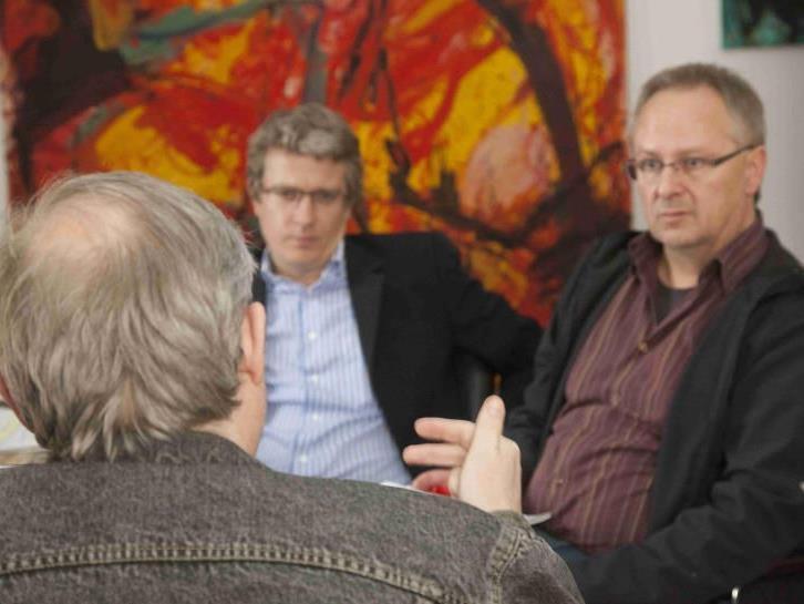 Jörg Stadler (l.) und Klaus Hämmerle (r.) mit Scheinerbe Peter H.