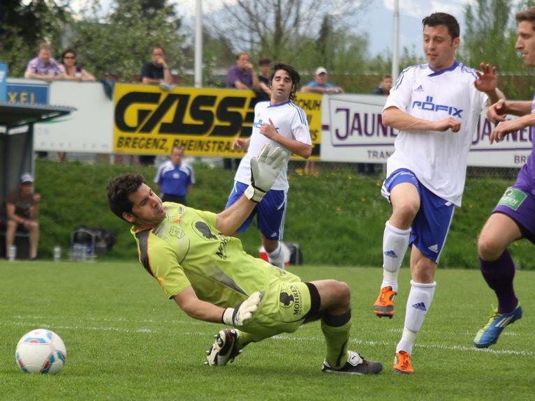 Patrick Egle schoss binnen sieben Minuten zwei Tore und Röthis gewann in Bregenz mit 3:0.