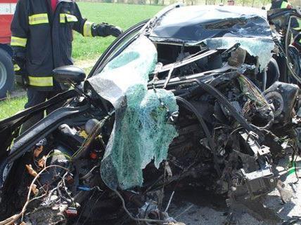 Unfall bei Neunkirchen: Wieso der Mann von der Fahrbahn abgekommen war, ist unklar.