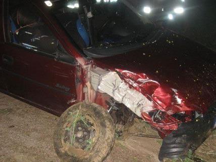 Ein Autolenker im Bezirk Neunkirchen hatte Glück am Donnerstag, er blieb bei dem Unfall unverletzt.